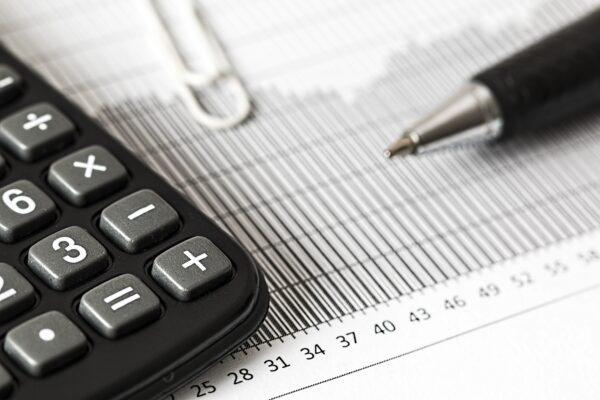Kiedy opłaca się wybrać podatek liniowy, a kiedy podatek według skali?